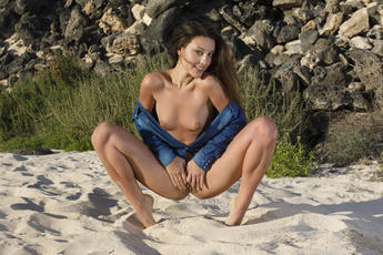 lorena b in courant by don caravaggio PICTURE 8